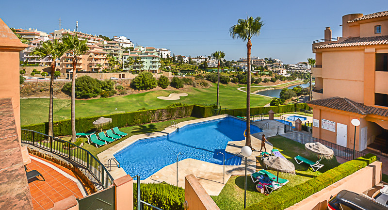 A perfect holiday home located in the popular Riviera Del Sol set in a gated community with several ,Spain