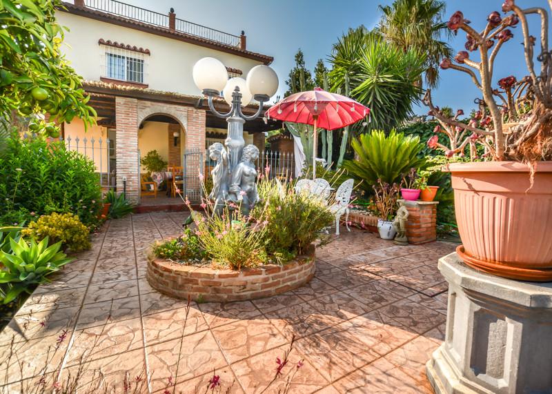 Ref:R3233605 Villa - Detached For Sale in Alhaurín de la Torre