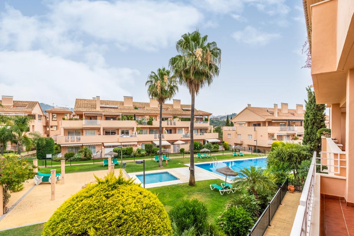 Marbella Banus Apartamento Planta Media en Venta en Elviria – R3237919