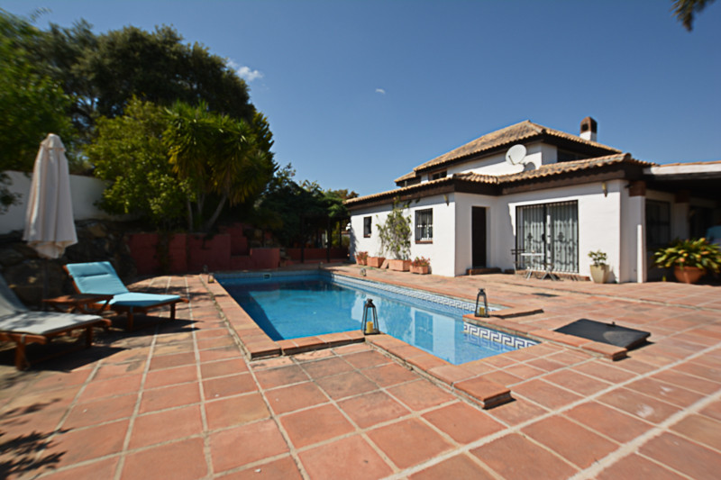 Attractive Villa located on the outskirts of the popular village of Monda enjoying great access and , Spain