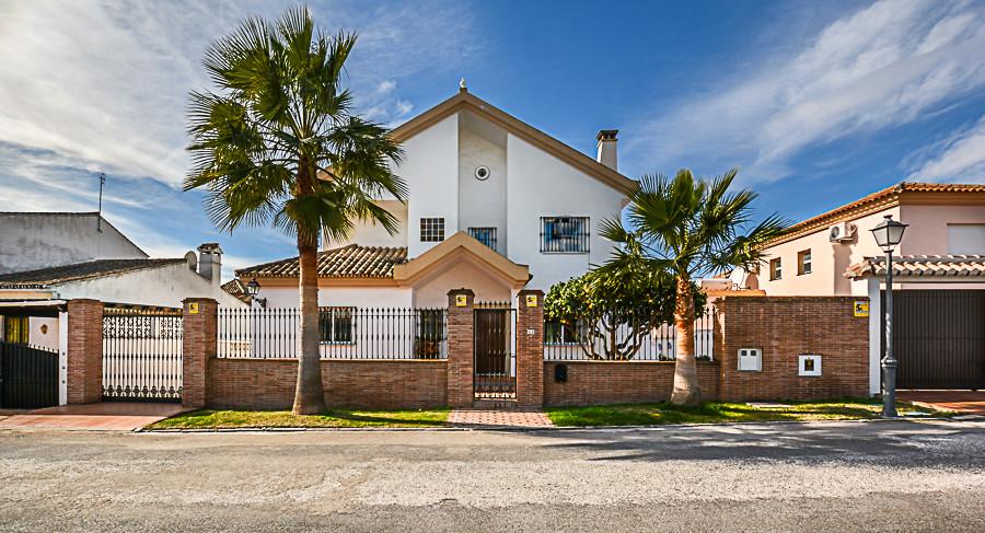 R3106400: Villa - Detached in Las Chapas