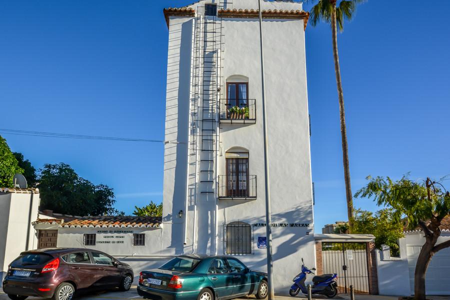Top Floor Apartment, Fuengirola, Costa del Sol. 1 Bedroom, 1 Bathroom,   Setting : Close To Shops, C,Spain