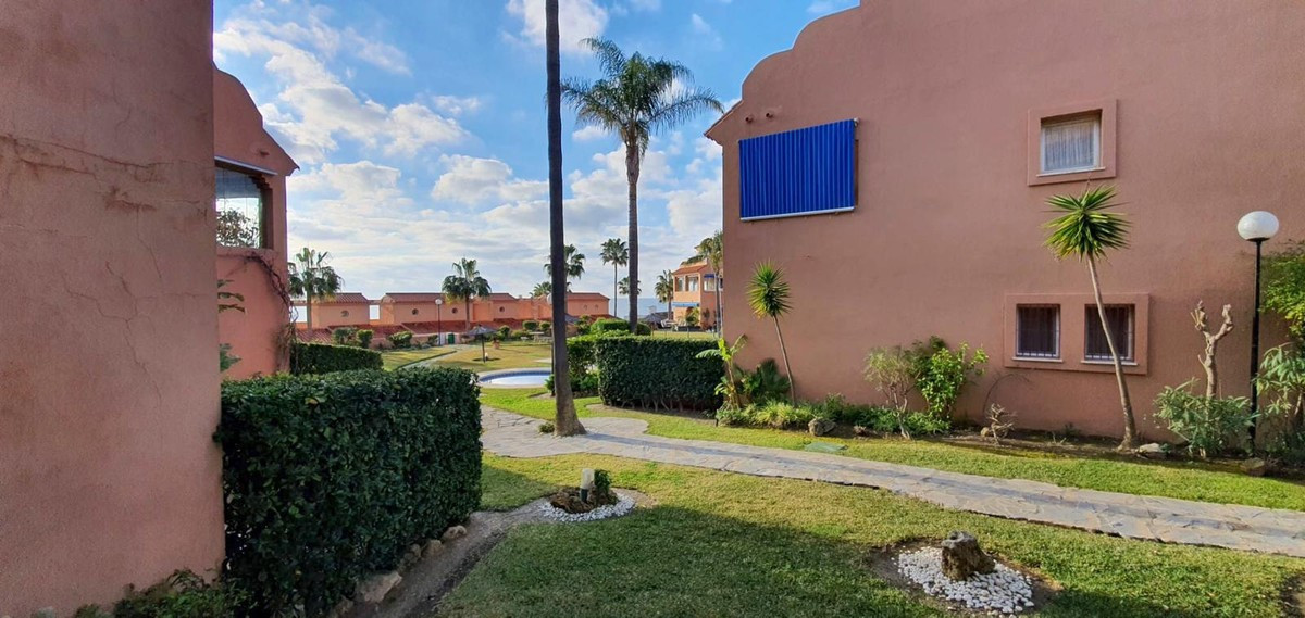 Description: Lovely ground floor apartment in a great beachfront Urbanization just 5 minutes away fr,Spain