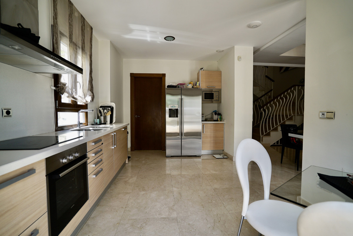 House in Benahavís R3673970 8