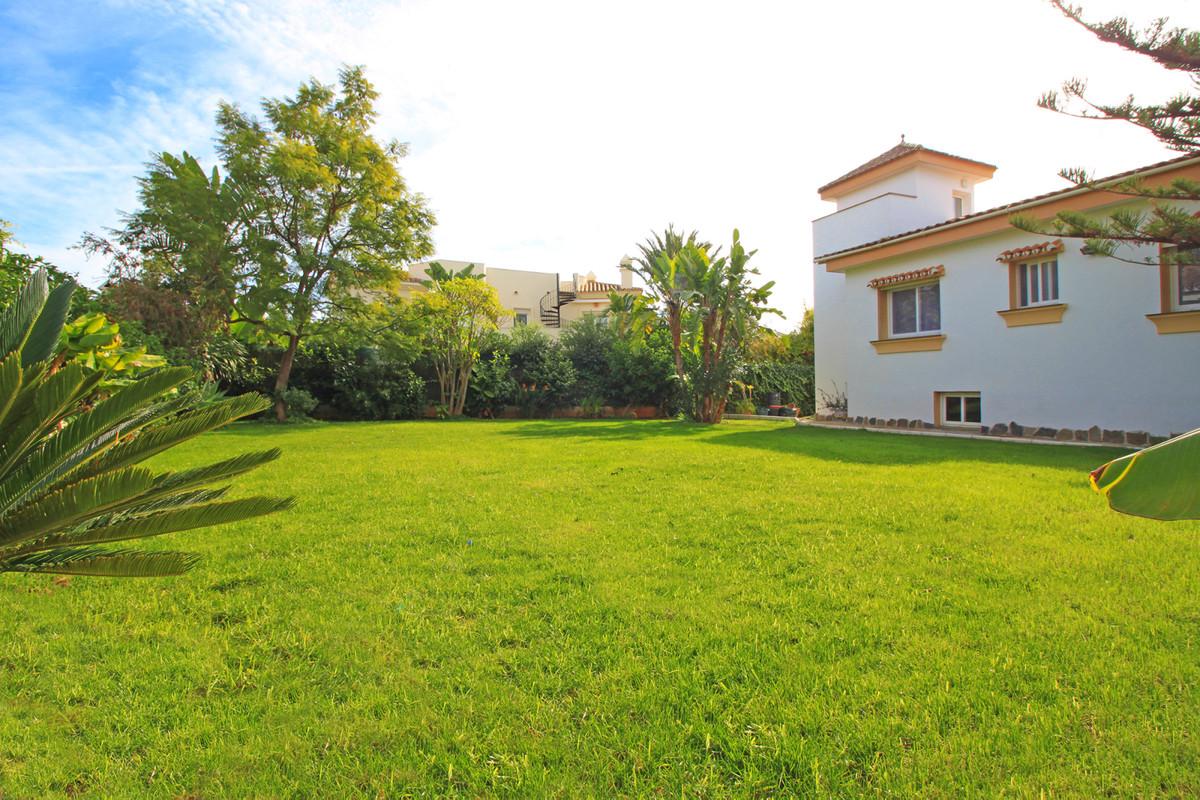 Marbella Banus Villa – Chalet en venta en Reserva de Marbella – R3476005