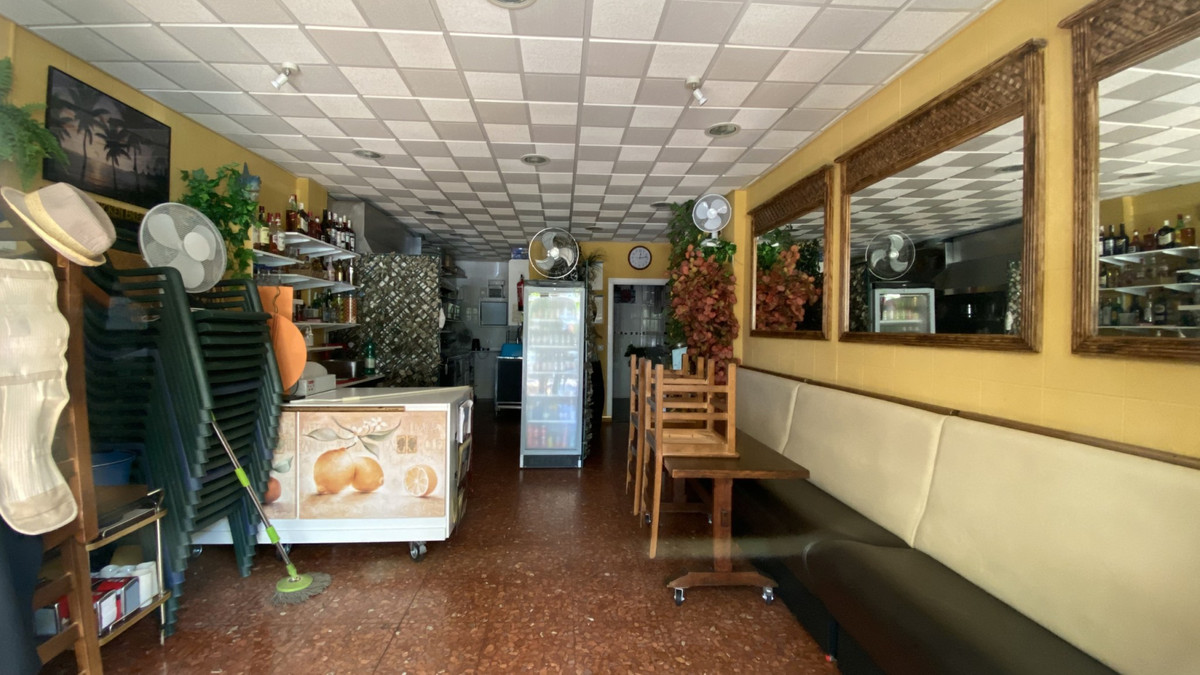 Bar for sale in Torremolinos R3708917