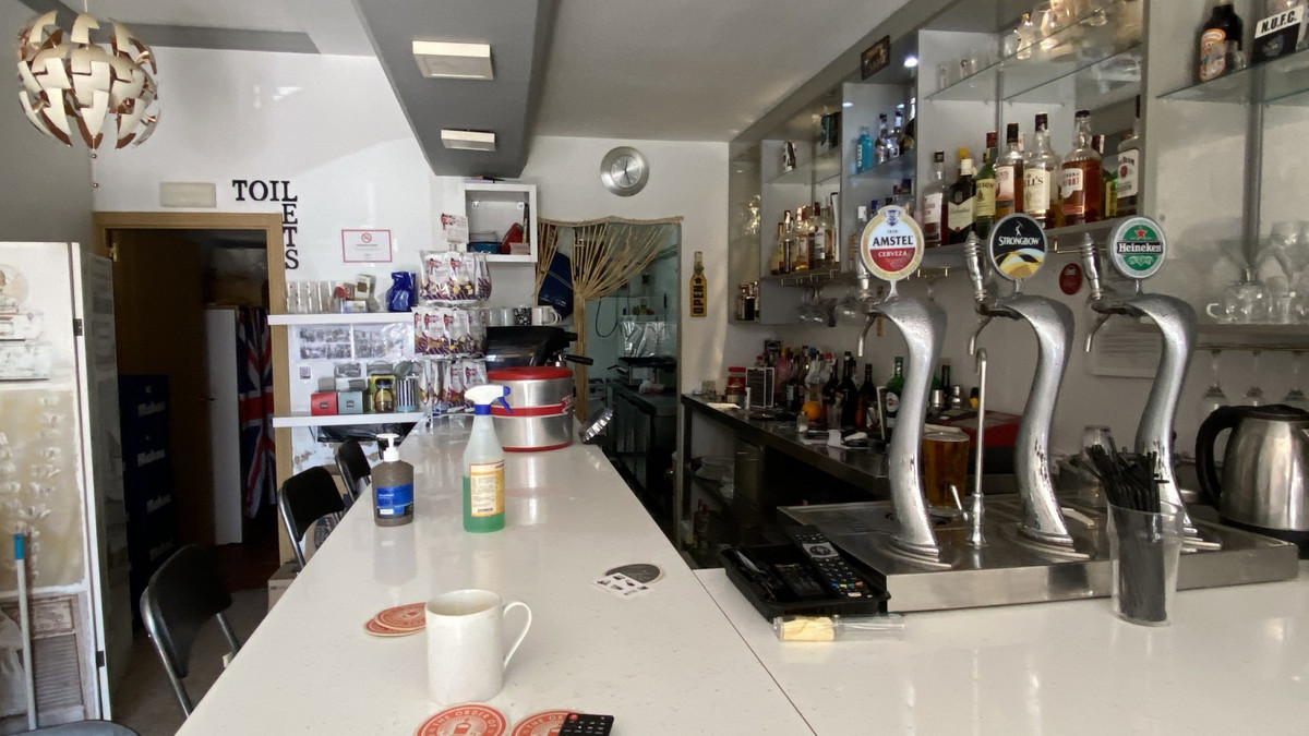 Bar for sale in Torremolinos R3708914