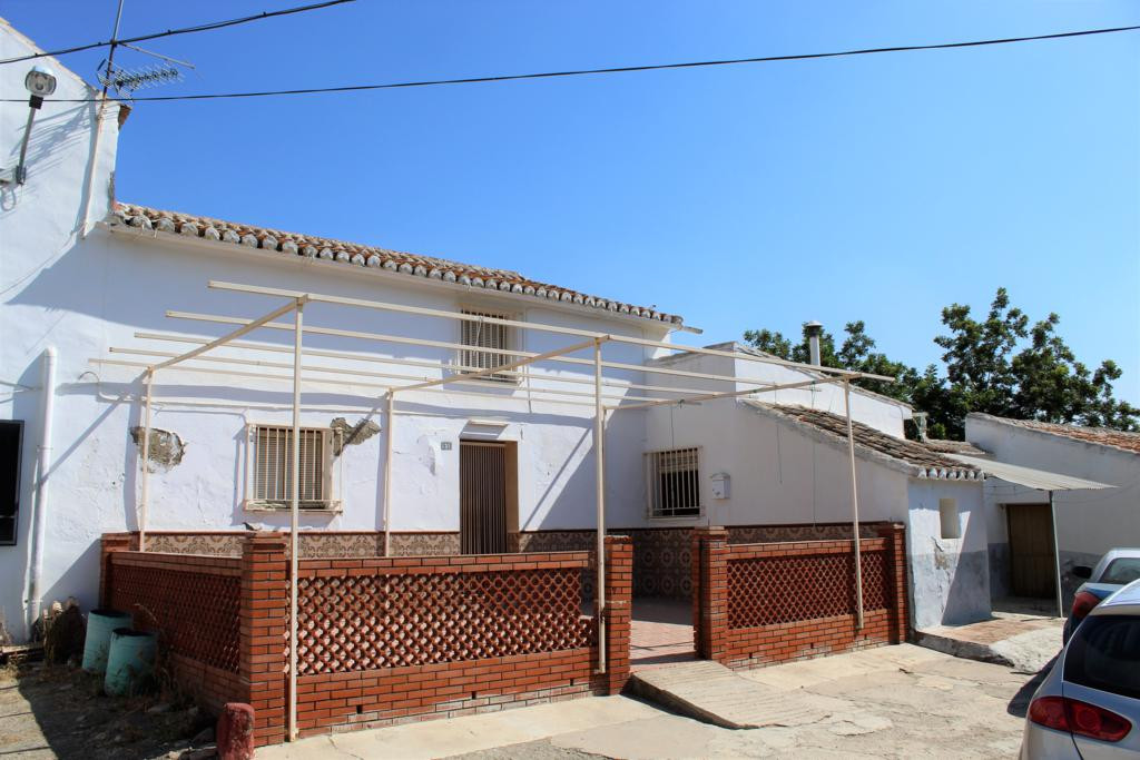 Villa  Semi Detached 													for sale  																			 in Estacion de Cartama