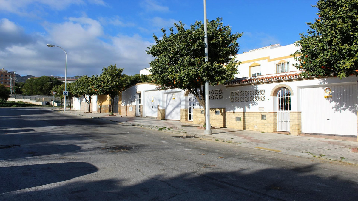 Impressive townhouse in the Pinillo de Torremolinos. Own garden with barbecue area and small vegetab,Spain