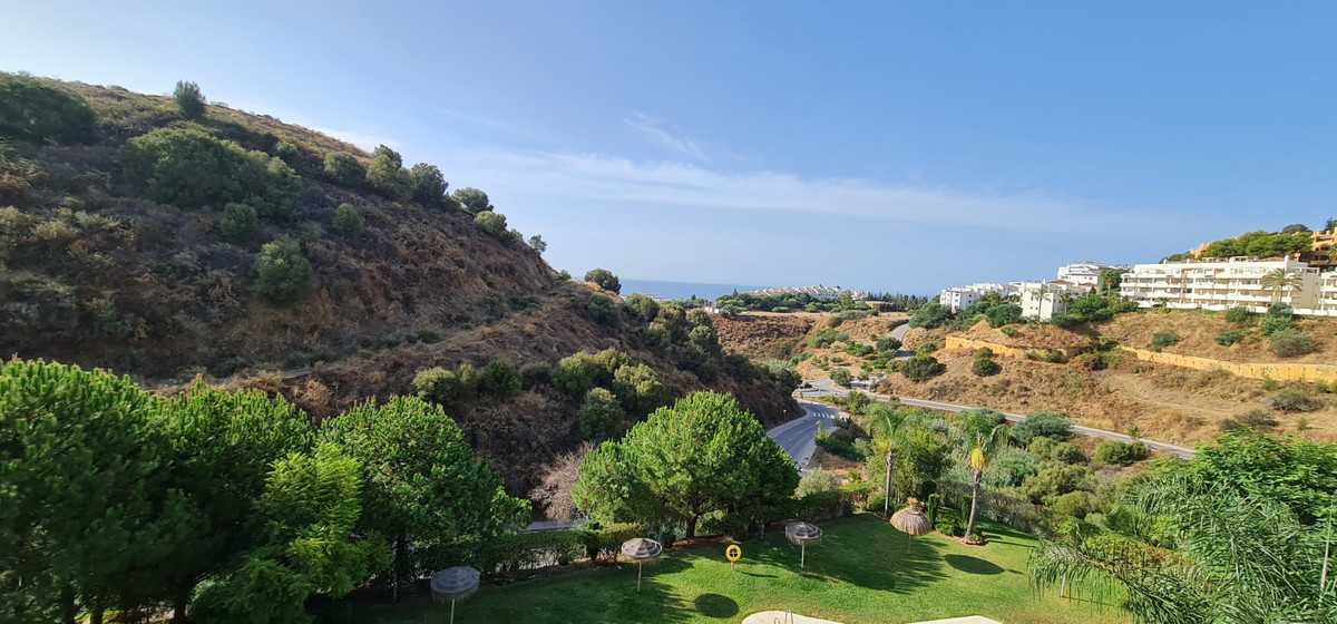 Spacious 130m2 apartment 2 bedrooms 2 bathrooms. Renovated, furnished, fitted kitchen. On the 2nd flSpain