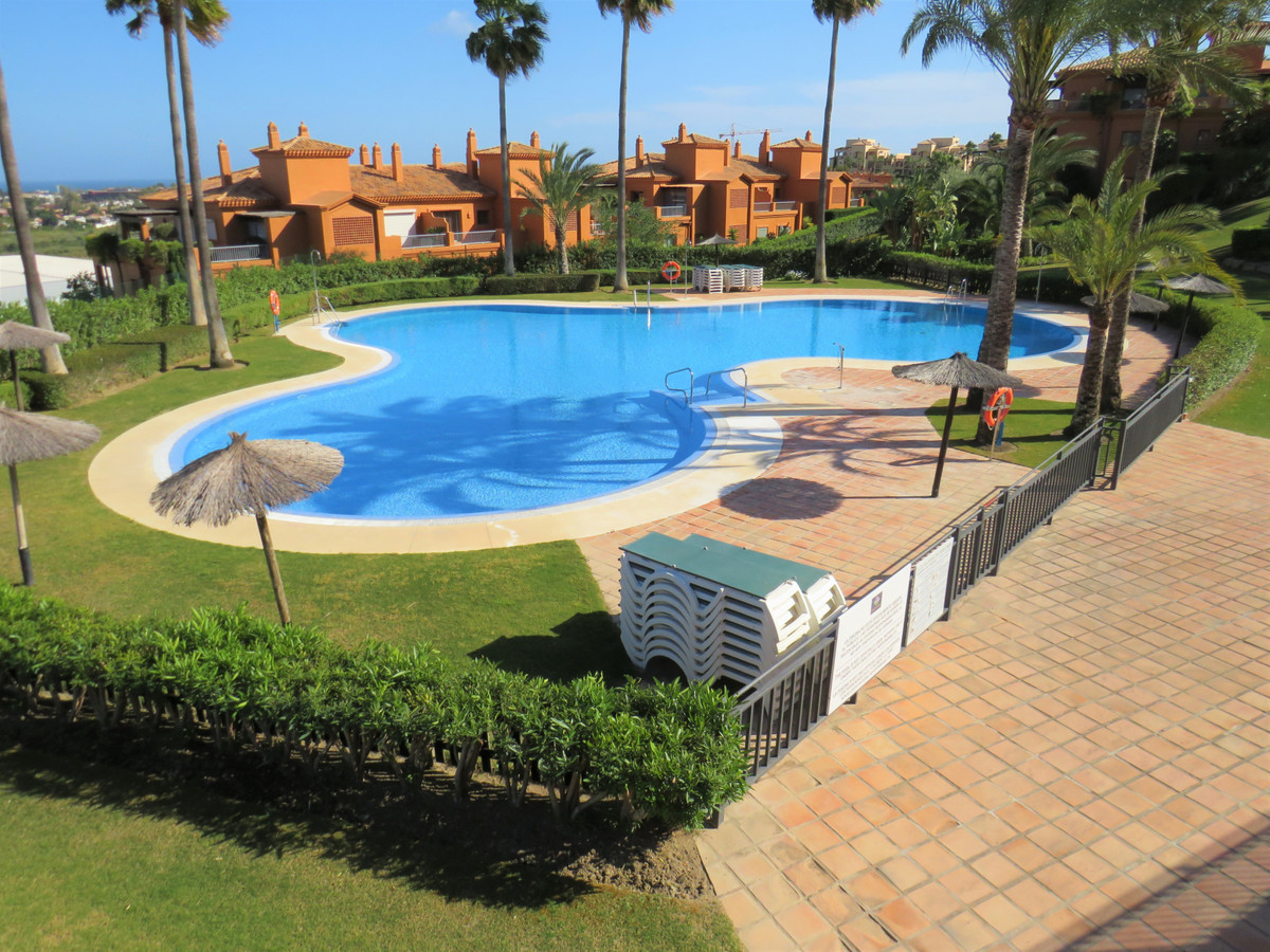 Beautiful, spacious apartment on frontline golf in Benahavis with 2 bedrooms and 2 bathrooms. Locate,Spain