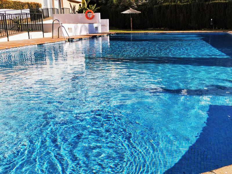Top Floor Apartment in Riviera del Sol for sale
