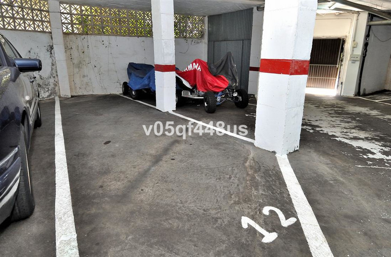 Garage in Calahonda for sale