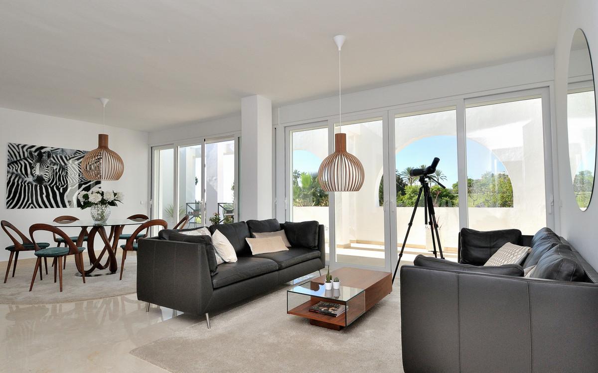 Apartment in La Quinta R3527830 11
