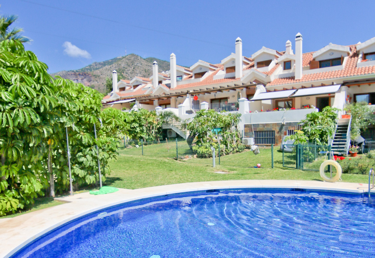 Spacious 6 bedroom townhouse in the Higueron area of ??Benalmadena. Very bright, it has 6 bedrooms a,Spain
