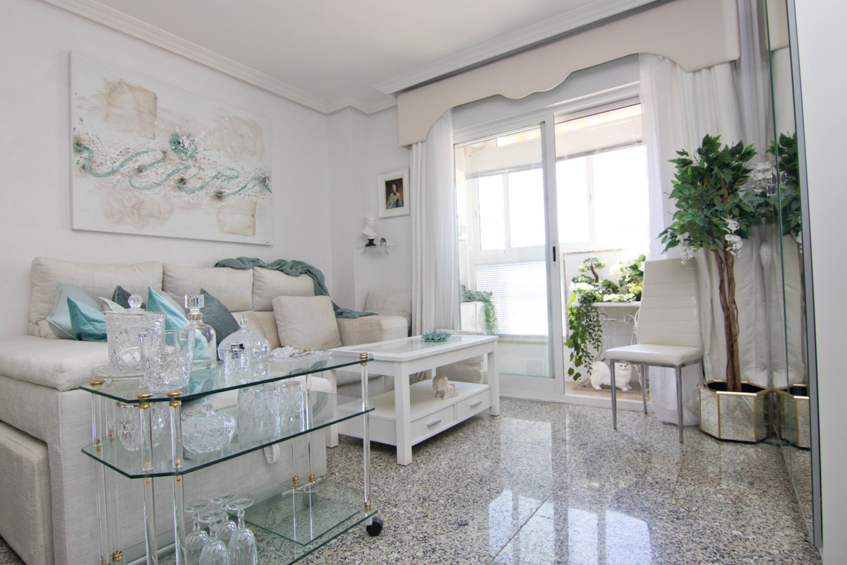 1 bedroom apartment in the English court area. this charming apartment has been renovated both in ba,Spain