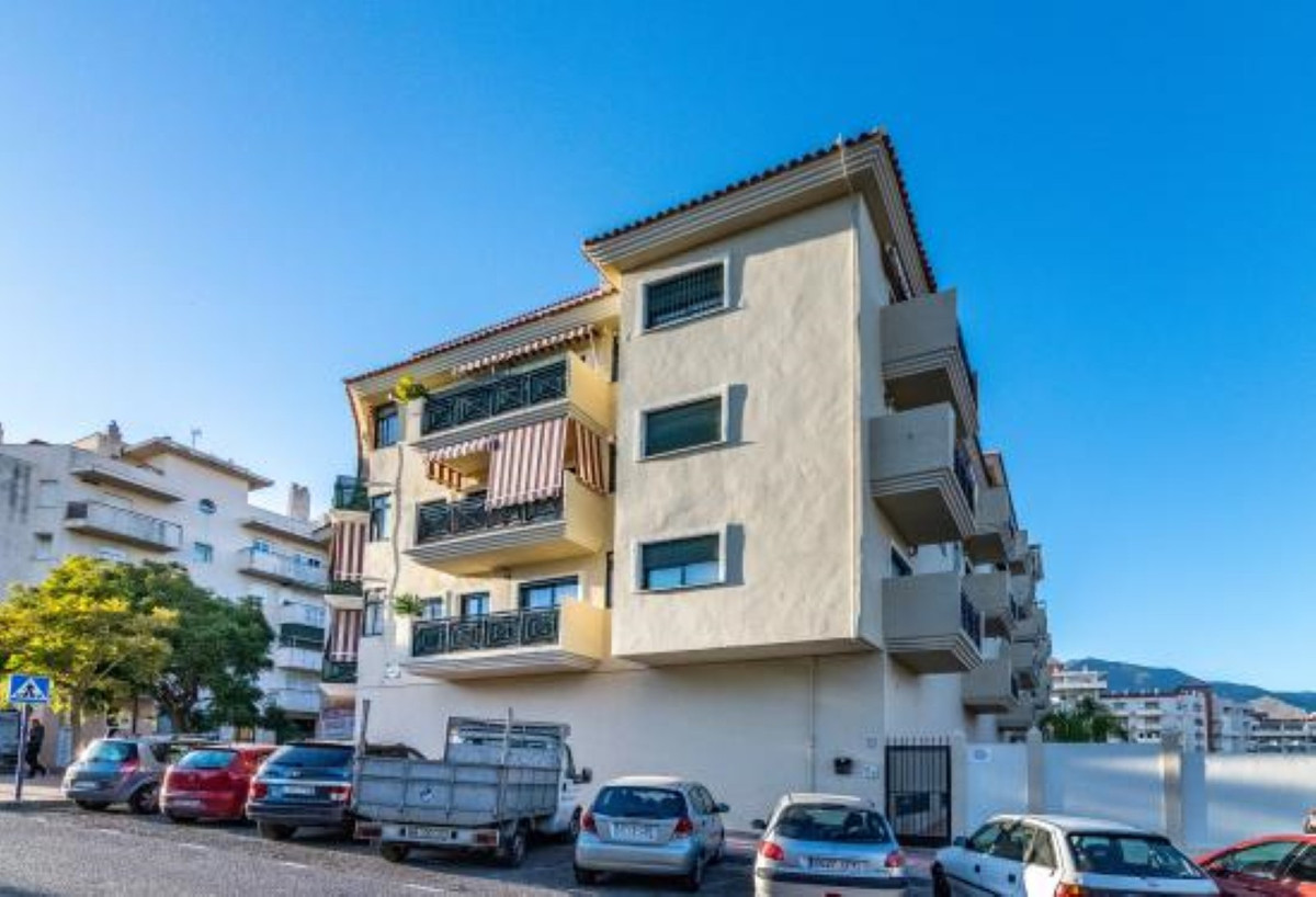 Commercial Premises for sale in Estepona R3709148