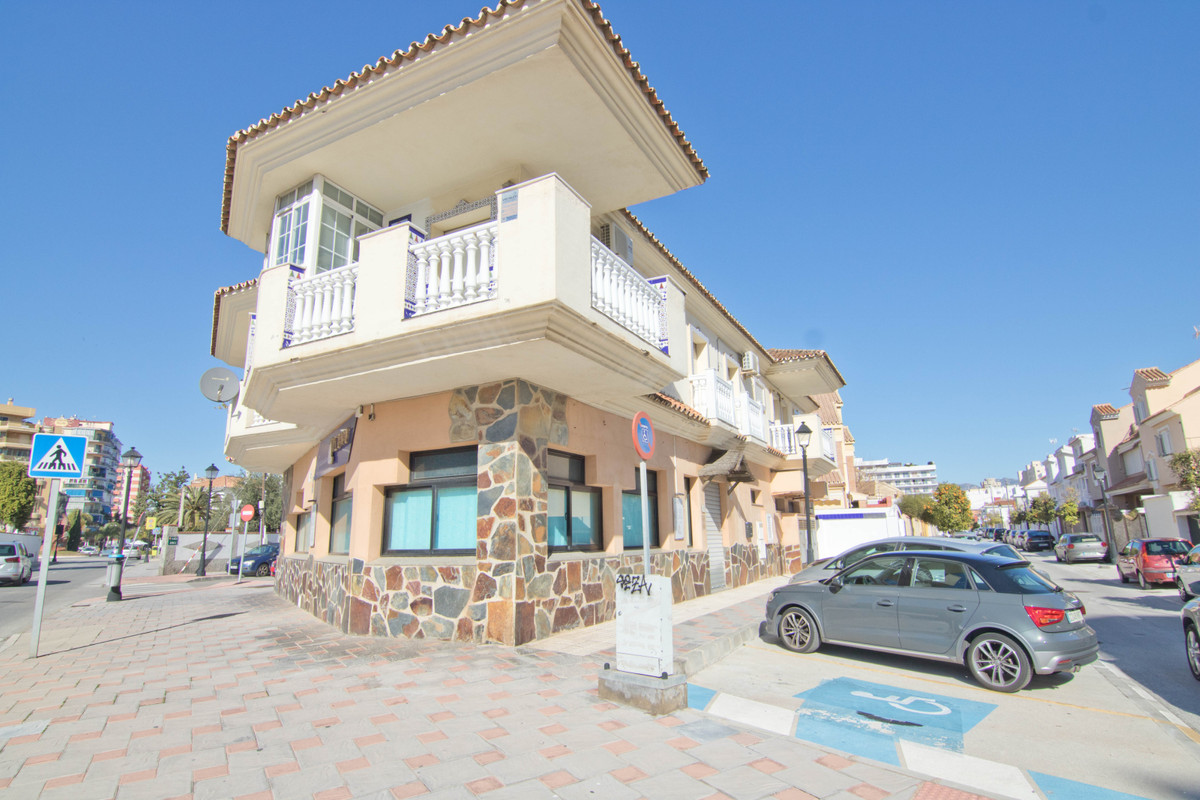 Property for sale in Reina Sofia area 2 minutes walk from the beach. It has an area of ??one hundred,Spain