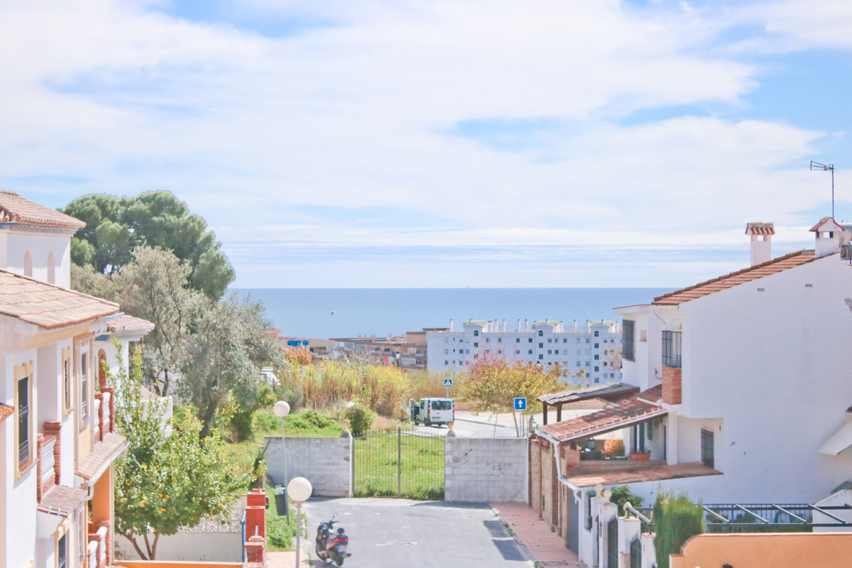 Fantastic 7 bedroom villa in the best area of Fuengirola! Less than 15 minutes walk from the promena, Spain
