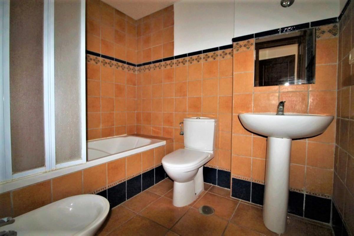 Apartamento en Venta en Calahonda – R3569329