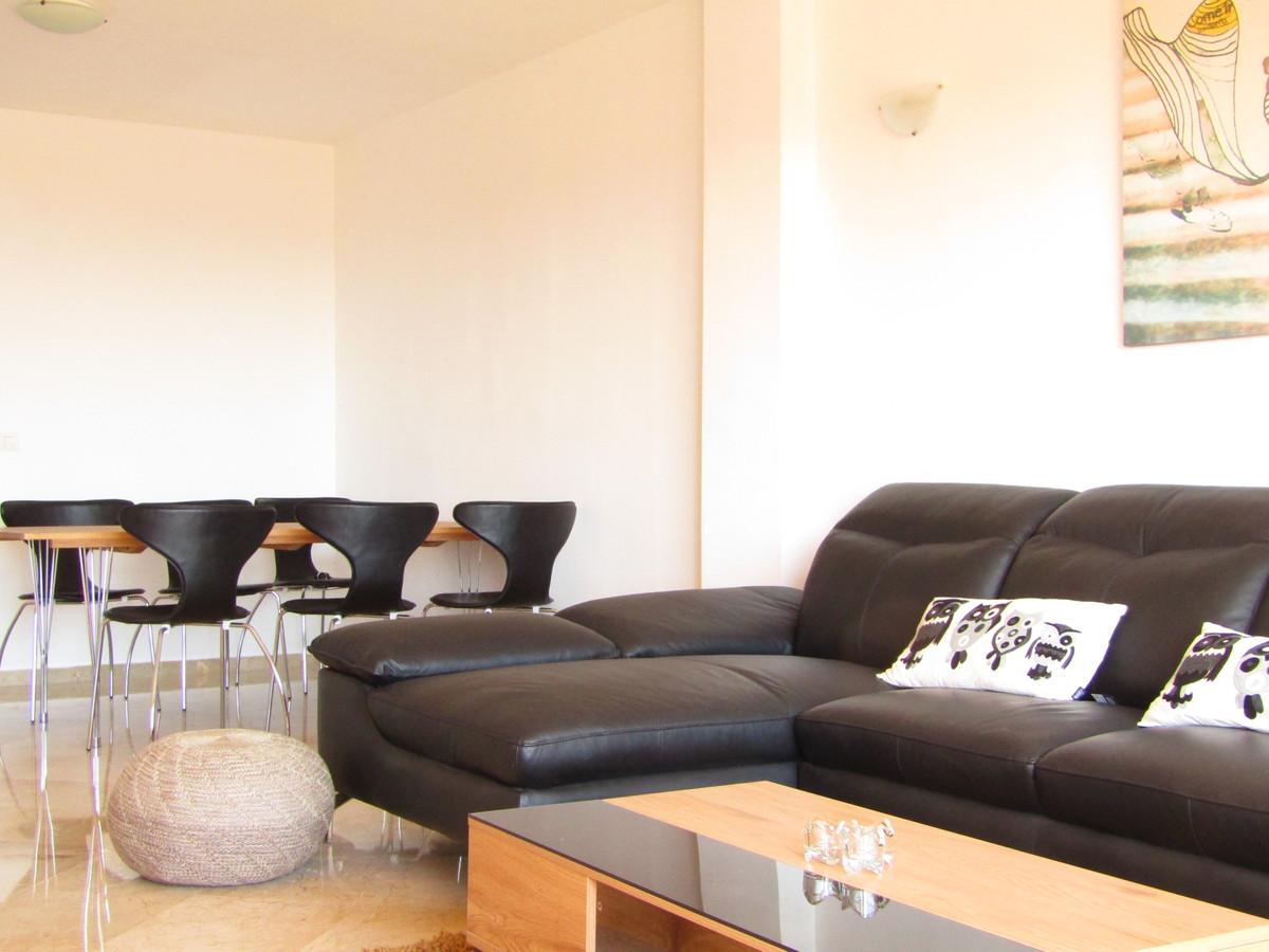 Marbella Banus Apartamento en Venta en Calahonda – R3669467