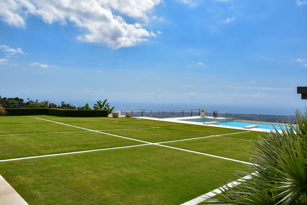 12 Bedroom Villa For Sale - La Zagaleta, Benahavis