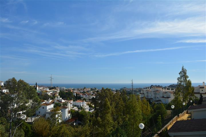 (048)  Beautiful apartment in a recently constructed urbanization in Benalmadena. Located in the bea, Spain