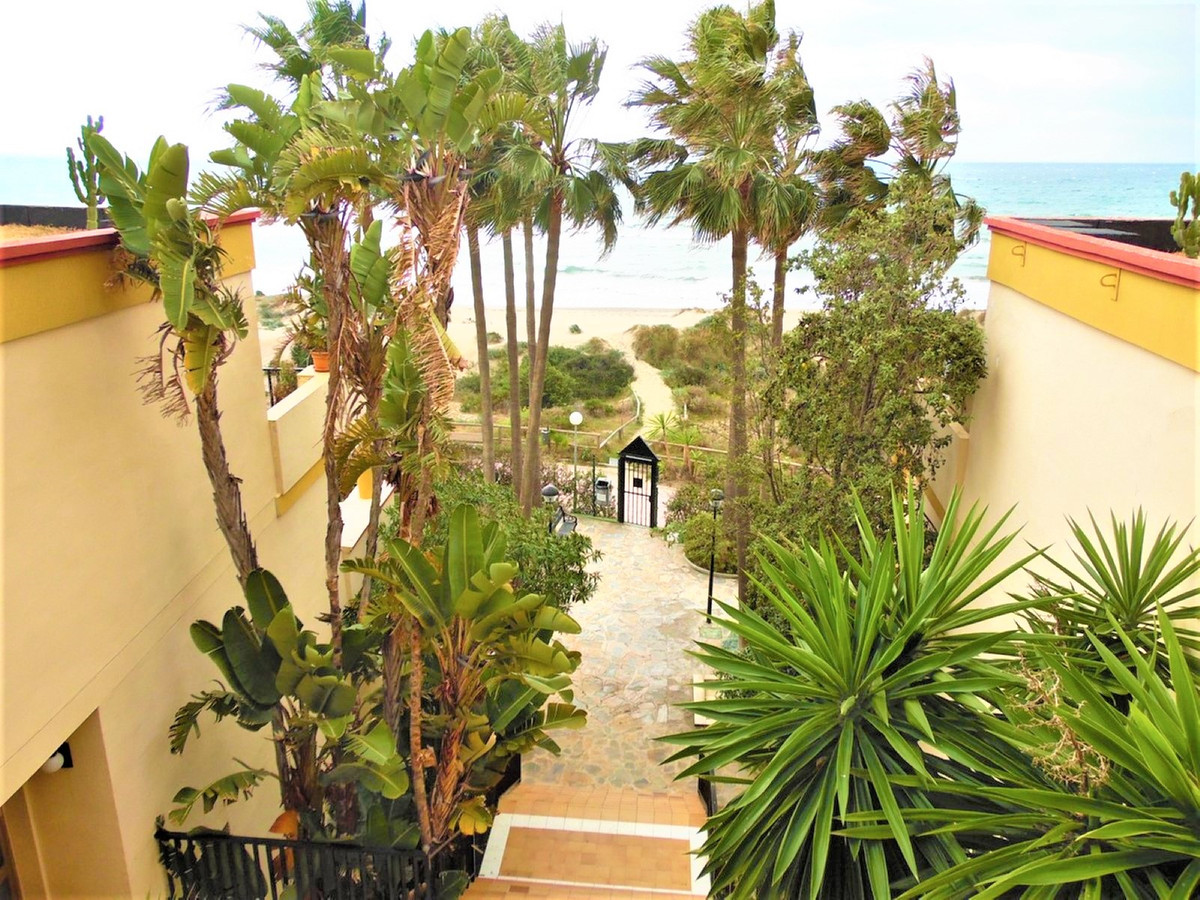 Beautiful renovated apartment with exquisite taste in first line of Playa de la Vibora, very close t, Spain