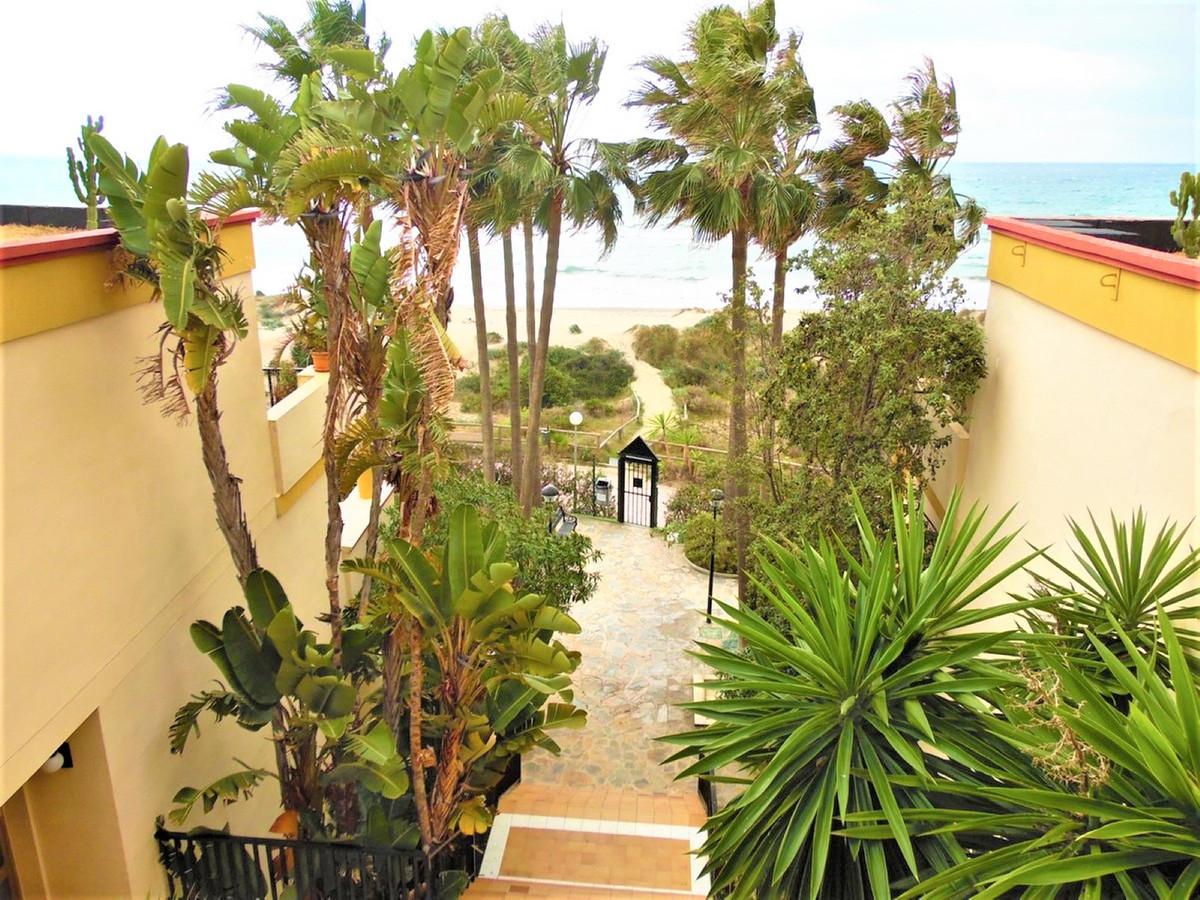 Marbella Banus Apartamento en Venta en Elviria – R3374065