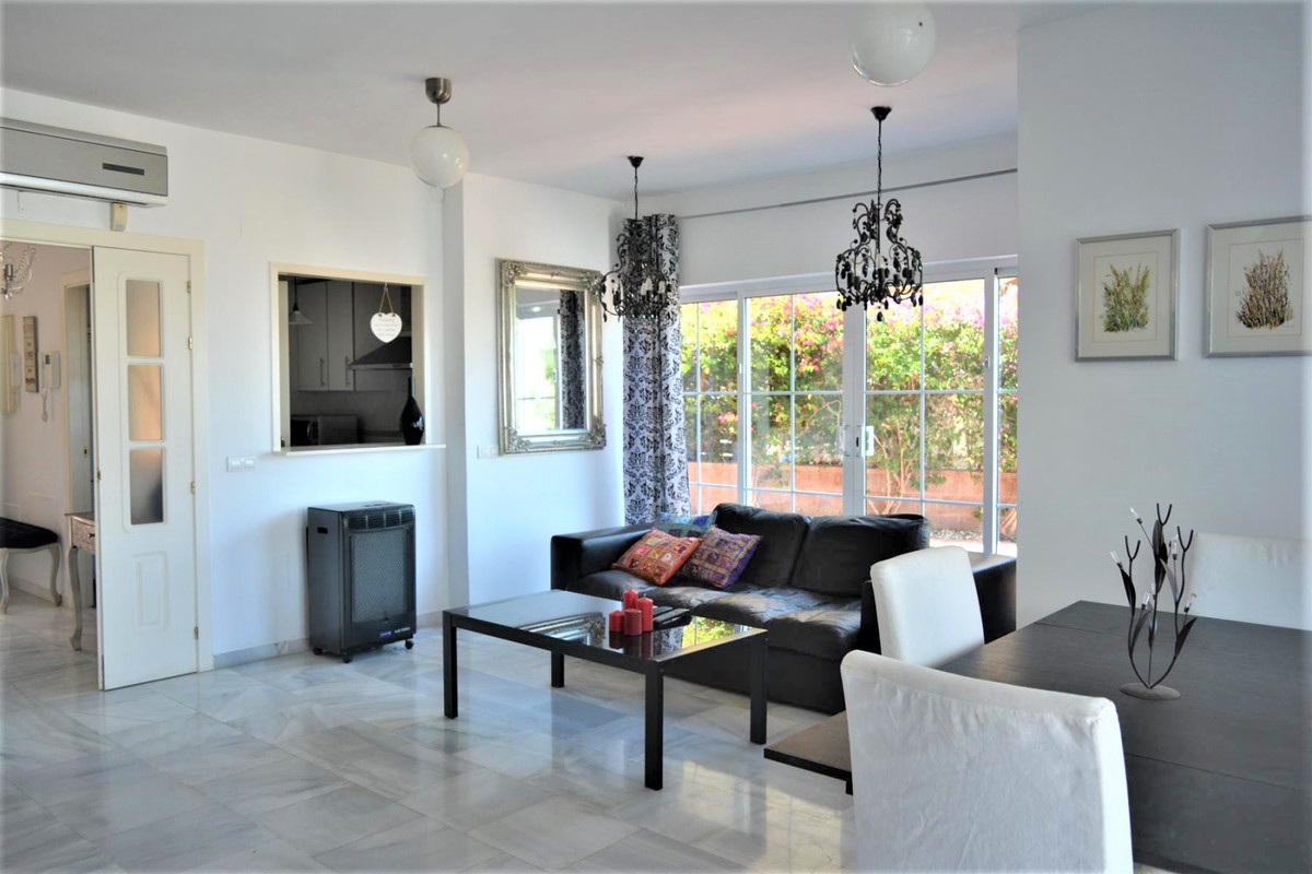 Spacious 3 bedroom semi-detached house in the Las Begonias community, a quiet, safe and secure place, Spain