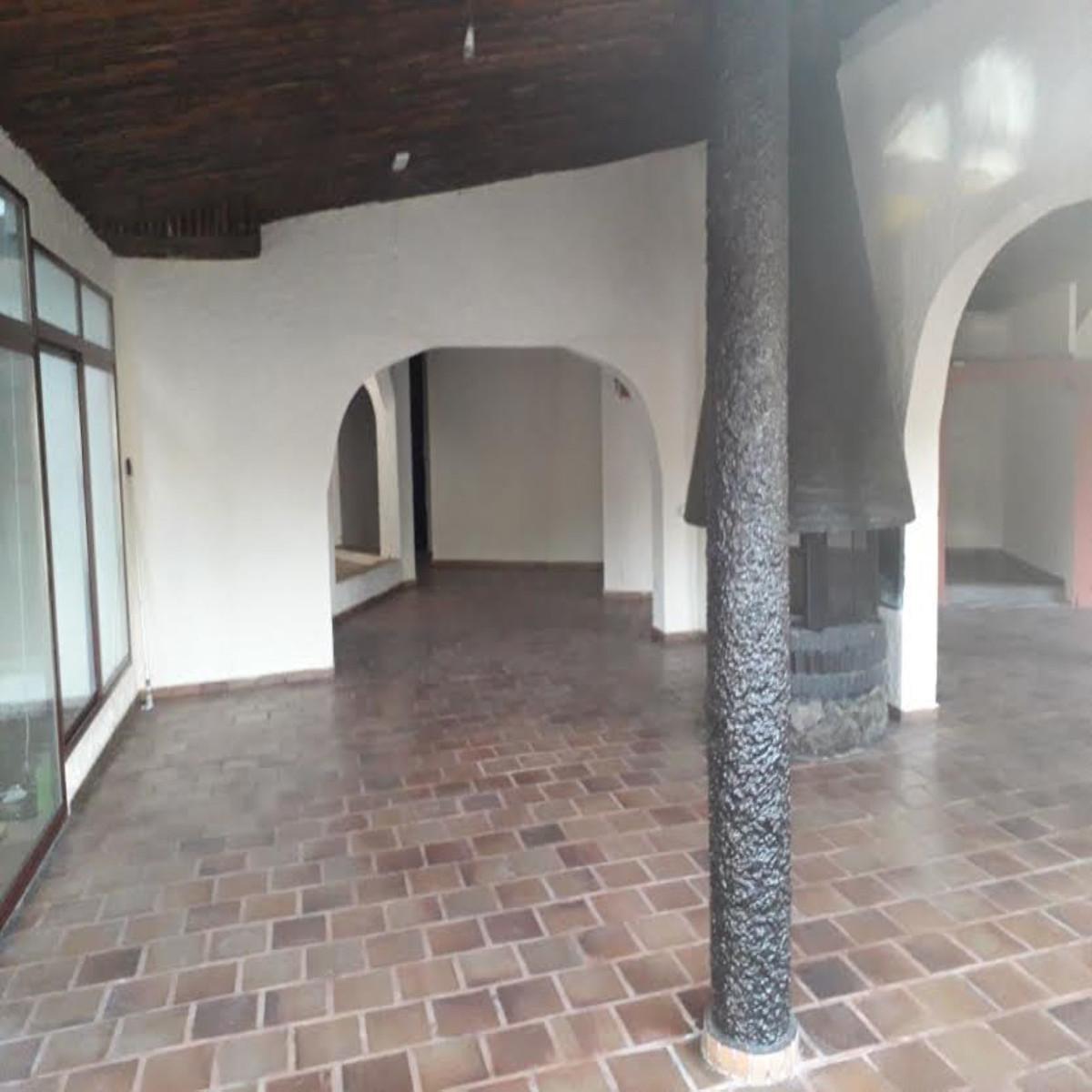 Comercial con 0 Dormitorios en Venta Elviria