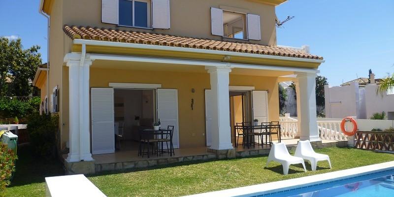 Villa 3 Dormitorios en Venta Las Chapas