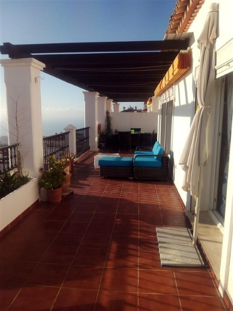Amazing penthouse in Calahonda, 2 beds (easy to transform into 3). Midway between Fuengirola and Mar,Spain