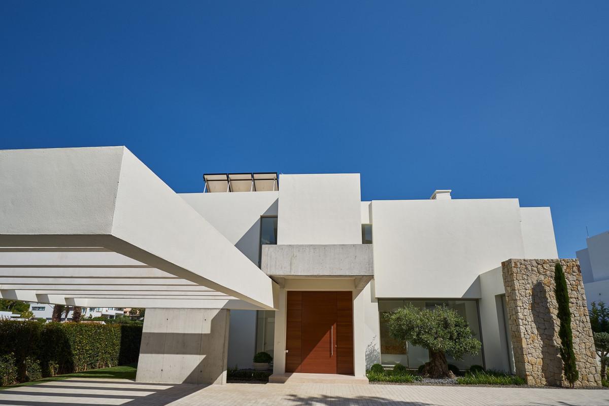 Villa en Venta en Benahavís – R3330367