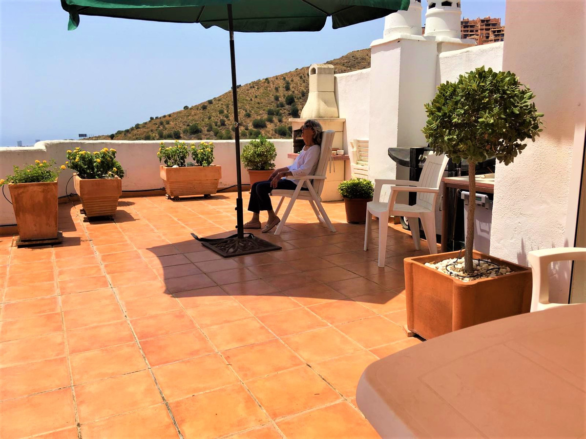 (27) Stunning 2 bedroom, 2 bathroom penthouse apartment with private rooftop solarium.  This lovely ,Spain