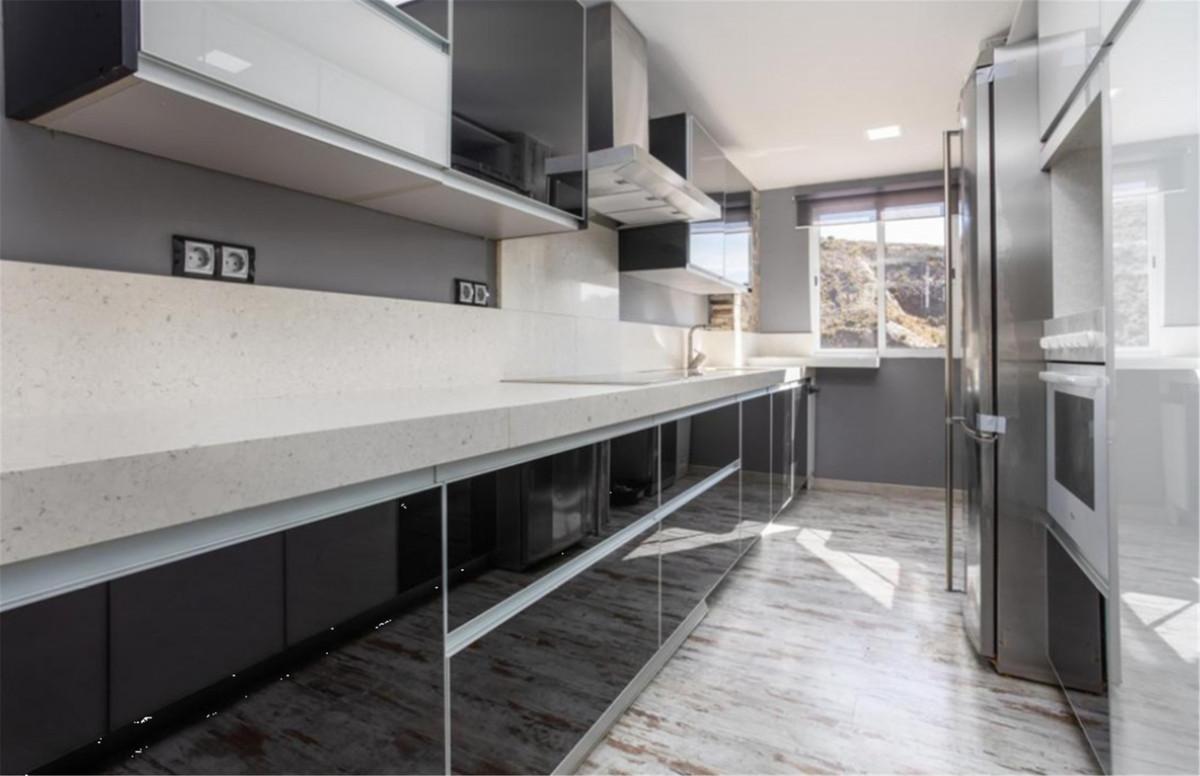 Apartamento Planta Media en Venta en Calahonda – R3537496