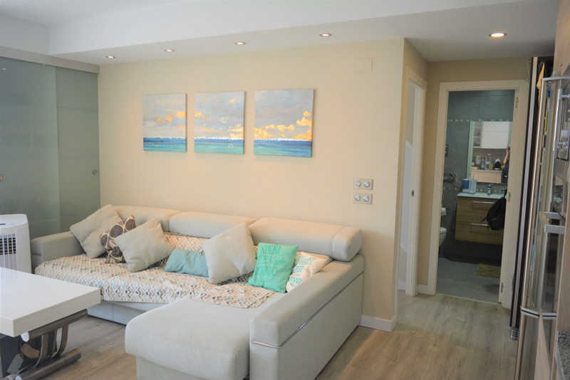Middle Floor Apartment in Calahonda for sale