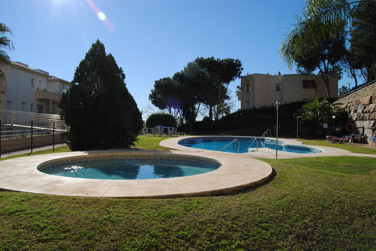 COMPLETELY RENOVATED AND READY TO LIVE IN.  Lovely 92m2 apartment situated on the ground floor. It h,Spain