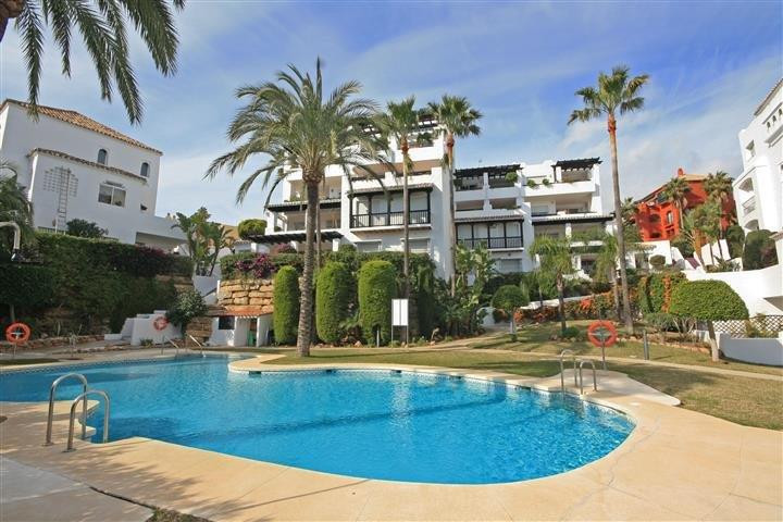 (053) Beautiful and bright penthouse apartment with panoramic views, situated in the upper part of CSpain
