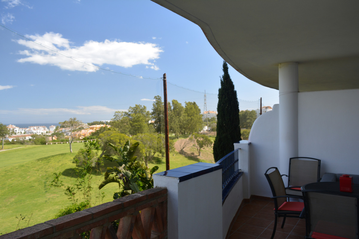 Nice apartment in the Island of Riviera complex, in one of the best residential areas of Riviera del,Spain
