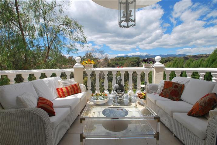 Fantastic villa situated in Elviria with amazing views toward green areas and mountains. The propert, Spain