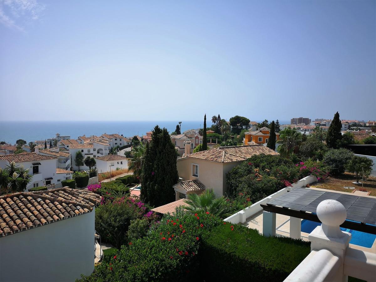 BEAUTIFUL VILLA WITH SEA VIEWS IN RIVIERA DEL SOL!!  VILLA WITH COMPLETE PRIVACY, CLOSE TO THE BEACH,Spain