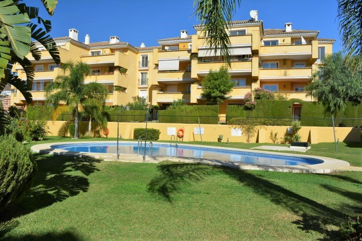 (030)  ELEVATED GROUND FLOOR APARTMENT WITH TERRACE, PRIVATE GARDEN, SEA VIEWS AND PRIVATE UNDERGROU,Spain