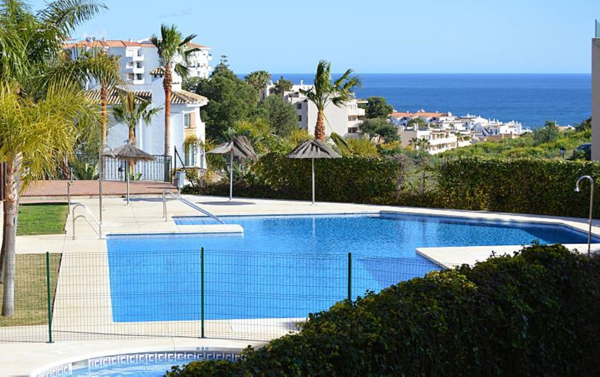 Beautiful apartment REFORMED with sea views, in Riviera del Sol.  Located in a quiet and safe urbani,Spain