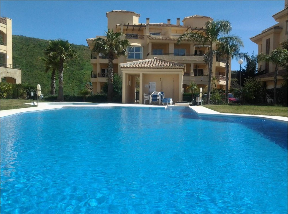 Lovely ground floor apartment located in a very well-maintained and popular development in the upper,Spain