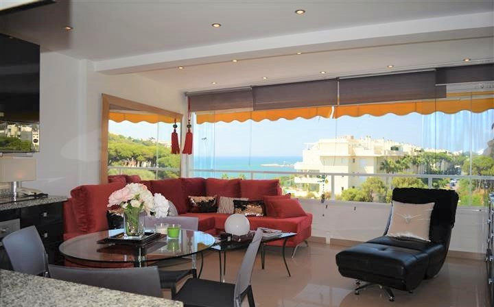 BEACHSIDE apartment with fantastic sea views, situated in Calahonda- Mijas-Costa. Located in a quiet,Spain