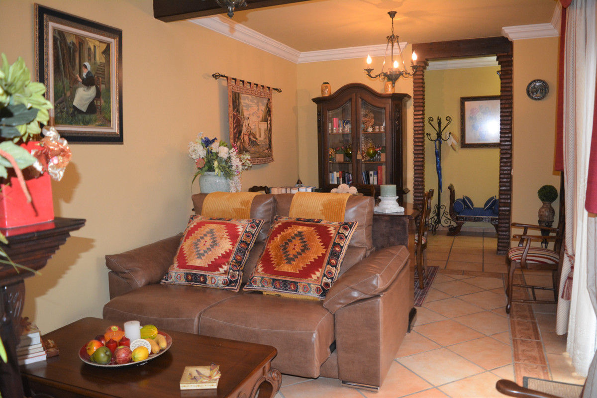 For Sale; Gorgeous and Traditional Andalucian Village apartment with Salarium in Alhaurin el Grande.,Spain