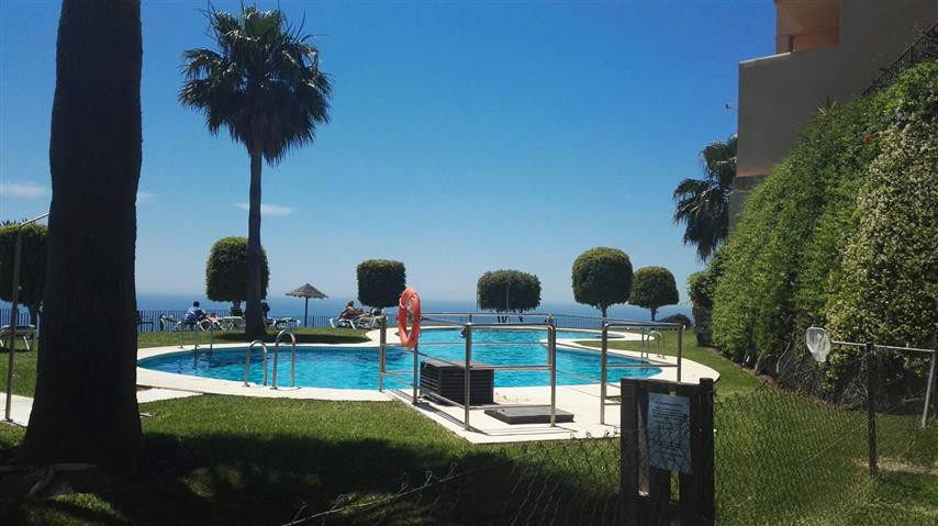 FANTASTIC APARTMENT WITH PANORAMIC VIEWS, IN CALAHONDA. IDEAL INVESTMENT!  Renovated south-facing ap, Spain
