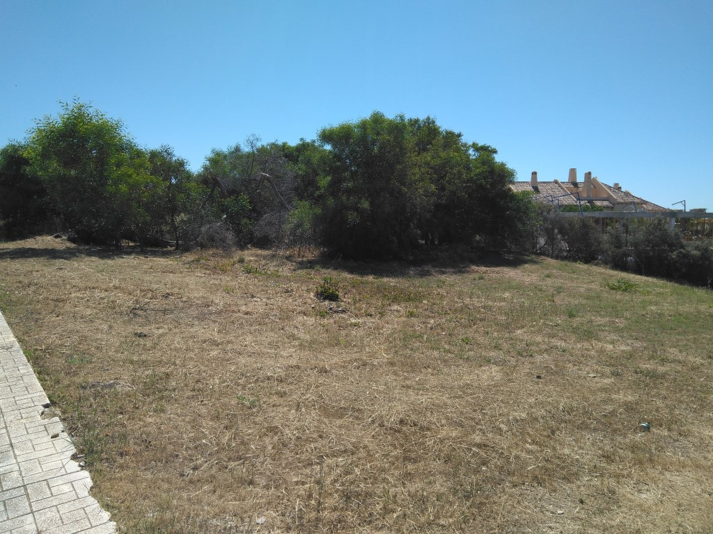 Residencial plot in lower Calahonda .Are you looking for that perfect plot to build your own Villa? ,Spain
