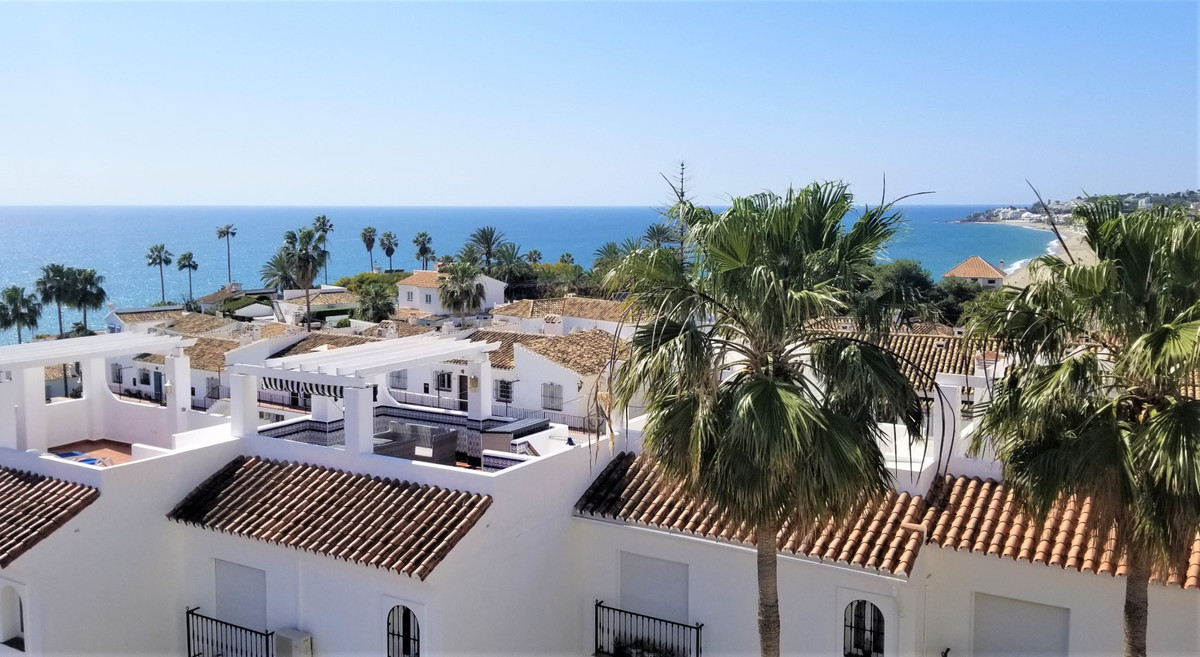 Beautiful apartment with spectacular panoramic views of the sea and only 5 minutes walk from the bea, Spain